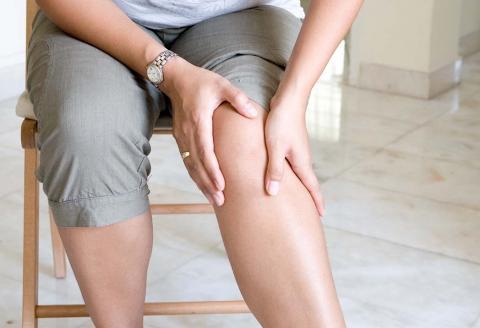 لکه های اکنه ماننددربیماری سندروم بهجت وراه درمان آن